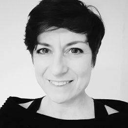 Fiona Gordon lehrt Choreographie, Contemporary und Improvisation an der CDSH – Contemporary Dance School Hamburg