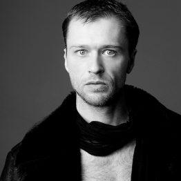 Tomislav Jeličić lehrt Choreographie und Zeitgenössische Projektarbeit an der CDSH – Contemporary Dance School Hamburg