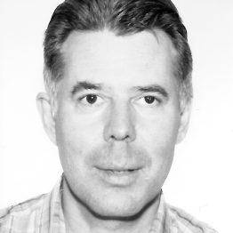 Andreas Srenk ist zuständig für die Öffentlichkeitsarbeit an der CDSH – Contemporary Dance School Hamburg